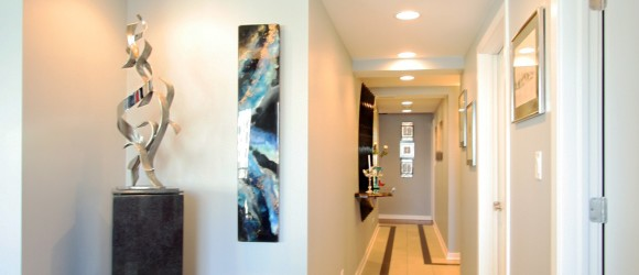 hallway decorating ideas, hallway, art, decorating tips, paint selection, gallery