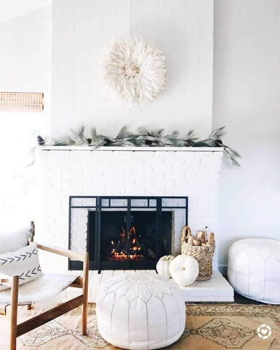minimalist, holiday decor, simple, minimal, fireplace, garland, single strand garland