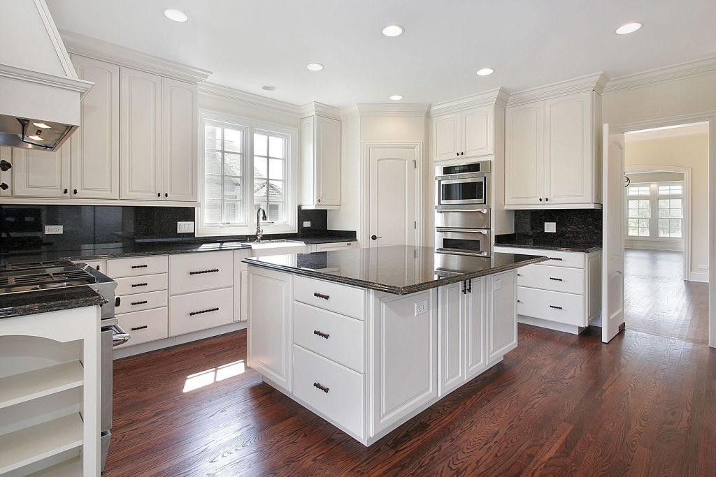 Habitar interior design for Catalyzed lacquer kitchen cabinets