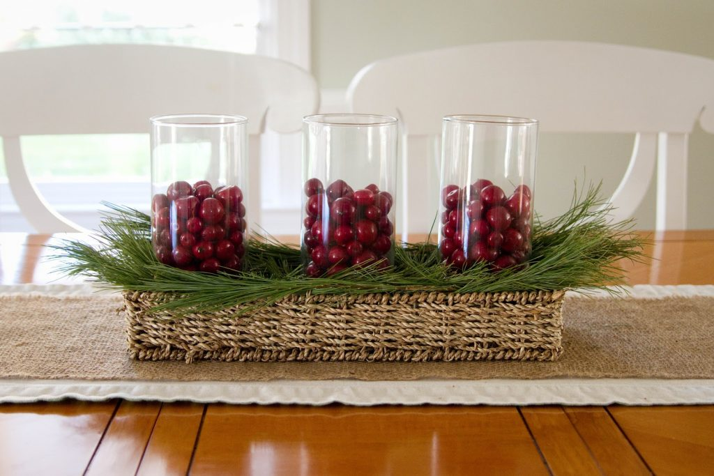 simple, centerpieces, candles, table decorations, holiday decorations, christmas decor, candles, wreaths, garland