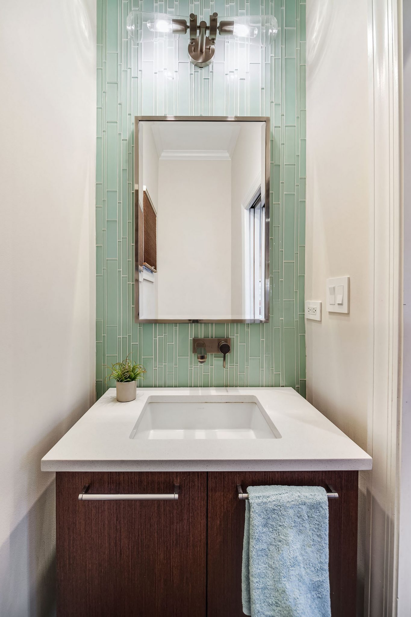 Whether Tranquil And Natural Or Modern And Bold, Habitar Design Can Craft  The Perfect Bathroom For You. Our Team Of Chicago Interior Designers Can  Expertly ...