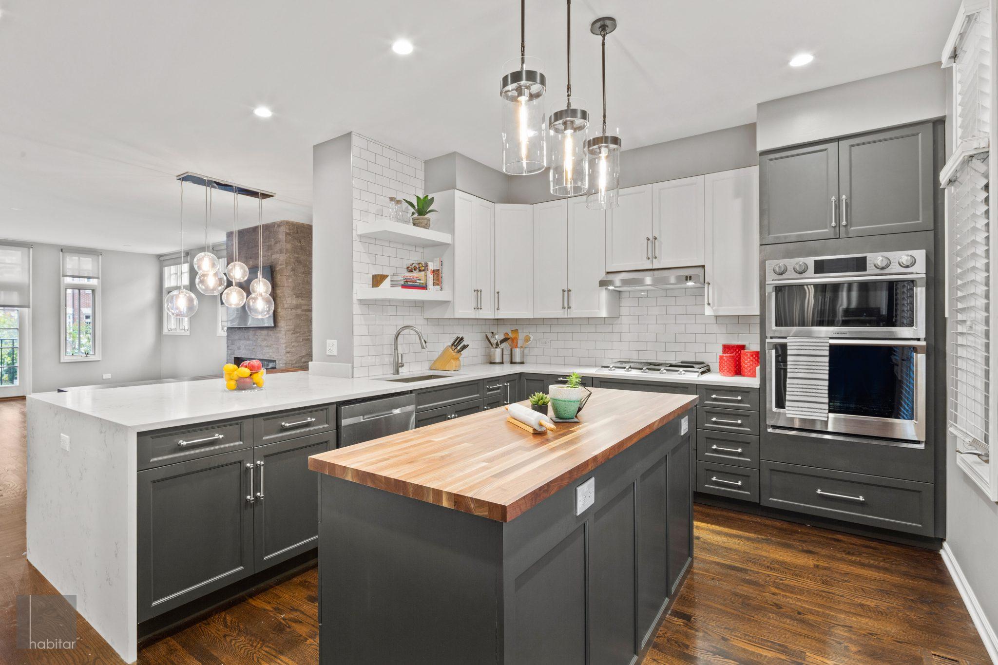 9 Trends in Two Tone Kitchen Design – Habitar Interior Design